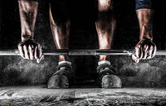 Zaczynasz swoją przygodę na  siłowni? Oto 8 złotych rad dla początkujących