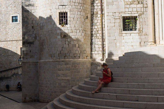 Para pojechała na wakacje do Chorwacji, by odnaleźć miejsca z Gry o Tron. Takich zdjęć z urlopu nie powstydził by się żaden Fan12