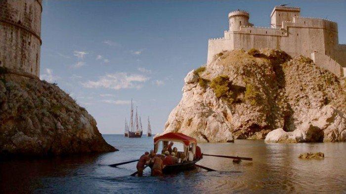 Para pojechała na wakacje do Chorwacji, by odnaleźć miejsca z Gry o Tron. Takich zdjęć z urlopu nie powstydził by się żaden Fan3
