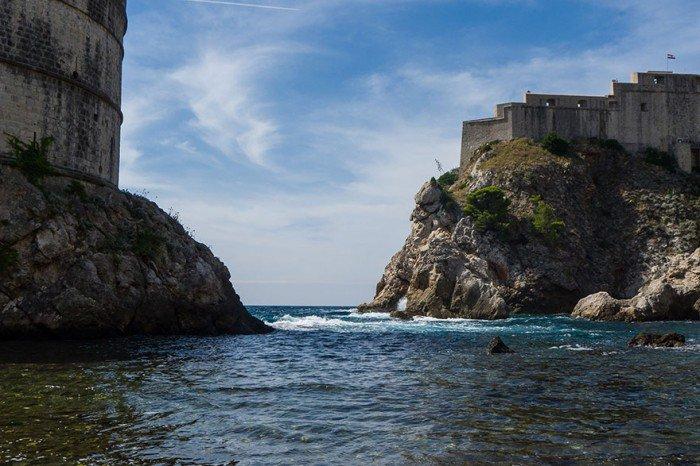 Para pojechała na wakacje do Chorwacji, by odnaleźć miejsca z Gry o Tron. Takich zdjęć z urlopu nie powstydził by się żaden Fan4
