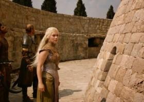 Para pojechała na wakacje do Chorwacji, by odnaleźć  miejsca z Gry o tron. Takich zdjęć z urlopu nie powstydziłby się żaden fan