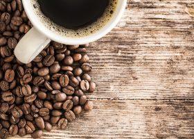 Ciekawostki: Czy picie kawy może przyśpieszyć metabolizm oraz skąd się bierze charakterystyczny zapach starszych osób?