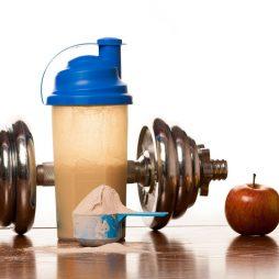 Atletyczna sylwetka: białko serwatkowe i food prep kluczem do sukcesu