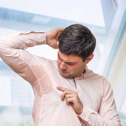 Nadmierne pocenie: skuteczne sposoby na walkę z potem