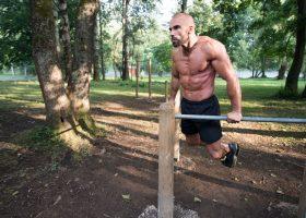 Street workout czy siłownia – Co wybrać?